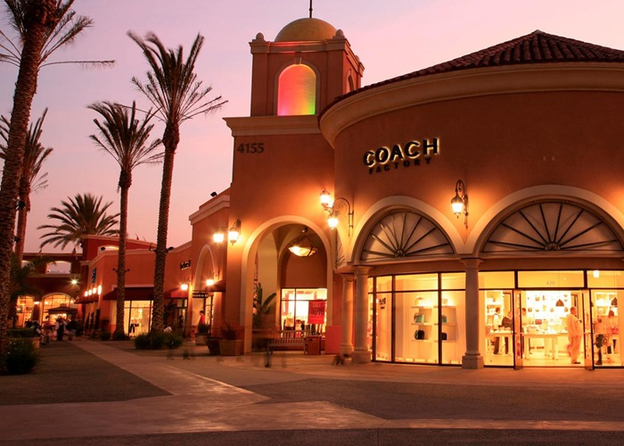 List of Outlet Malls and Shopping Centers in San Diego, California