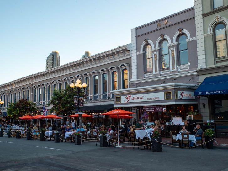 Outdoor dining in the Gaslamp Quarter