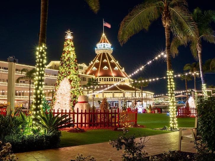 Christmas Tree at Hotel del Coronado