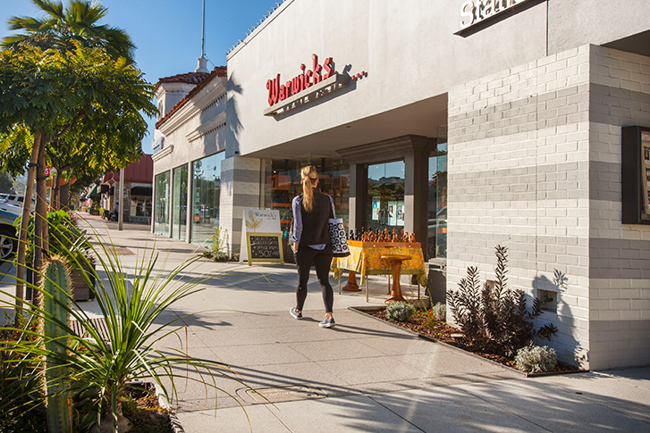 Stroll La Jolla's Boutiques and Bookshops