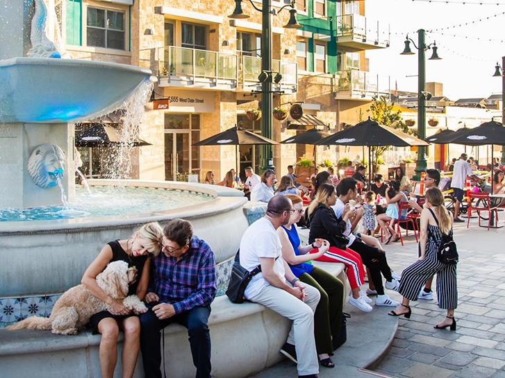 Piazza della Famiglia in Little Italy, San Diego