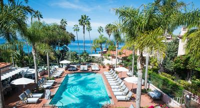 La Valencia Pool overlooking the ocean