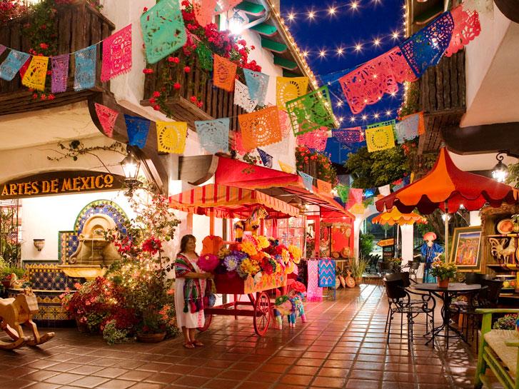 Old Town San Diego's Bazaar Del Mundo
