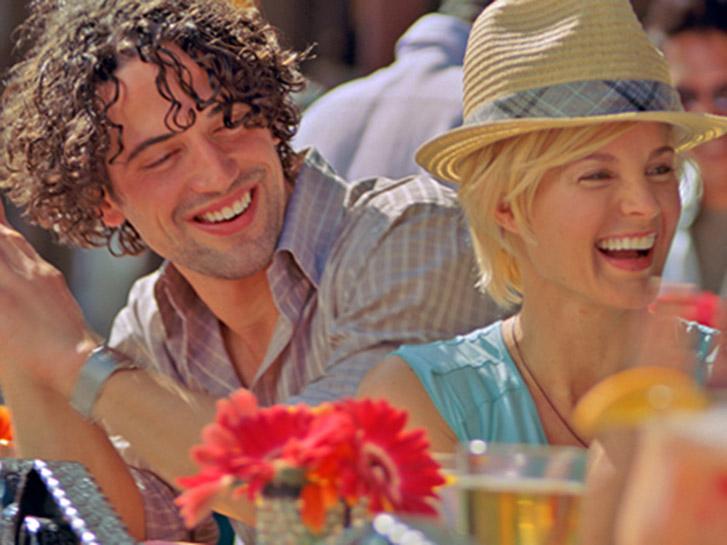 Couple having fun at Gaslamp bar