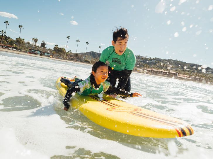 Learn to suf with Surf Divas